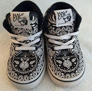 3235723c78 Vans Shoes - VANS Half Cab Bandana Skate Shoe Black White 7T
